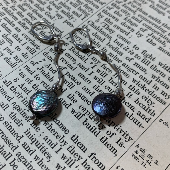 KMD Original SS Deep Blue Pearl Earrings
